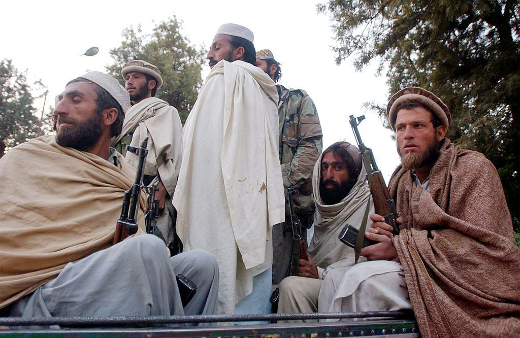 16/11/2001 Anciens combattants talibans à Jalalabad ASIE POLITIQUE AFGHANISTAN INTERNATIONAL SPENCER PLATT