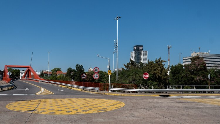 Las calles del mundo cambiaron su fisonomía, como ahora se observa en la Argentina (Adrián Escandar)