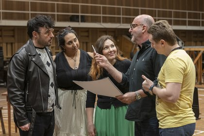 George Andguladze, Guadalupe Barrientos, Ekaterina Siurina, Jorge Takla (director de escena) y Pavel Valuzhin