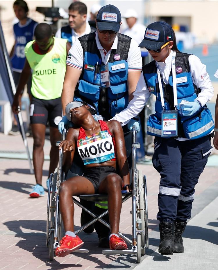 Juliana Ngleya Moko no es el único caso: a principios de este año, varios competidores colapsaron en Doha, donde las temperaturas subieron a niveles preocupantes (EFE)