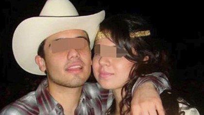 Impregnada a su ropa, se encontraron dos kilos de cocaína después de hacer una inspección a través de escáneres, por lo cual supuestamente hizo la petición de realizar una llamada para contactar a Ovidio Guzmán (Foto: Twitter@toscar1317)