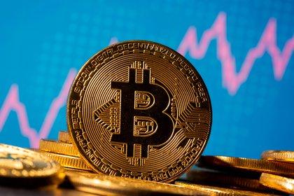 Una representación de la criptomoneda Bitcoin (REUTERS/Dado Ruvic/Ilustración/archivo)