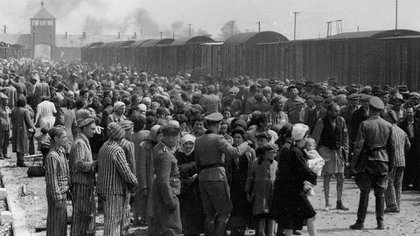 Judíos húngaros arribando a Auschwitz en mayo/junio 1944