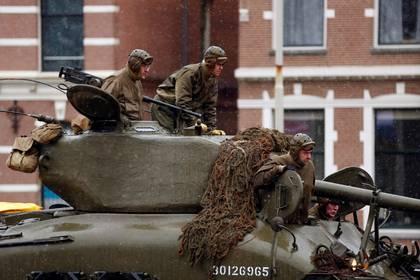 Un tanque M4 Sherman durante las conmemoraciones por el 75 aniversario del Día D (REUTERS/Eva Plevier)