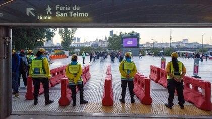 Así se organizó el sistema de control para que solamente ingrese el personal habilitado a viajar por el último decreto instrumentado por el presidente Alberto Fernández