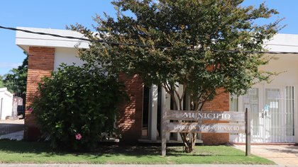 La sede municipal que nuclea a Garzón y a José Ignacio: sus oficinas están en el pueblo y no en el balneario
