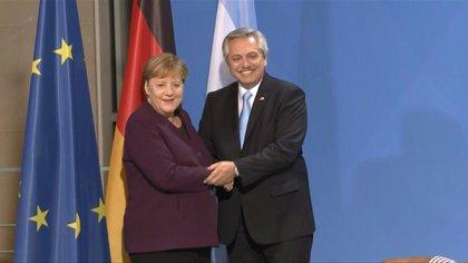 Alberto Fernández y Ángela Merkel durante su encuentro bilateral en Berlín