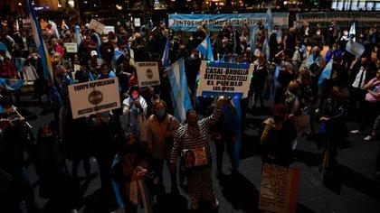 Muchos carteles y consignas estaban dirigidos contra la vicepresidenta Cristina Kirchner (Maximiliano Luna)