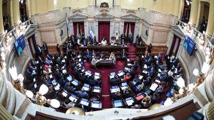 La oposición pidió sesionar de forma presencial