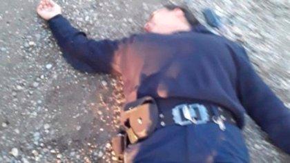 Mónica Bautista inconsciente en el suelo, después de haber recibido la golpiza por parte de Harold Omar Casarini, primo del intendente de Perito Moreno.