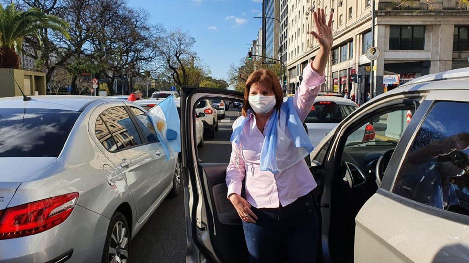 Marcha - Banderazo contra el gobierno - 12 de octubre - Patricia Bullrich