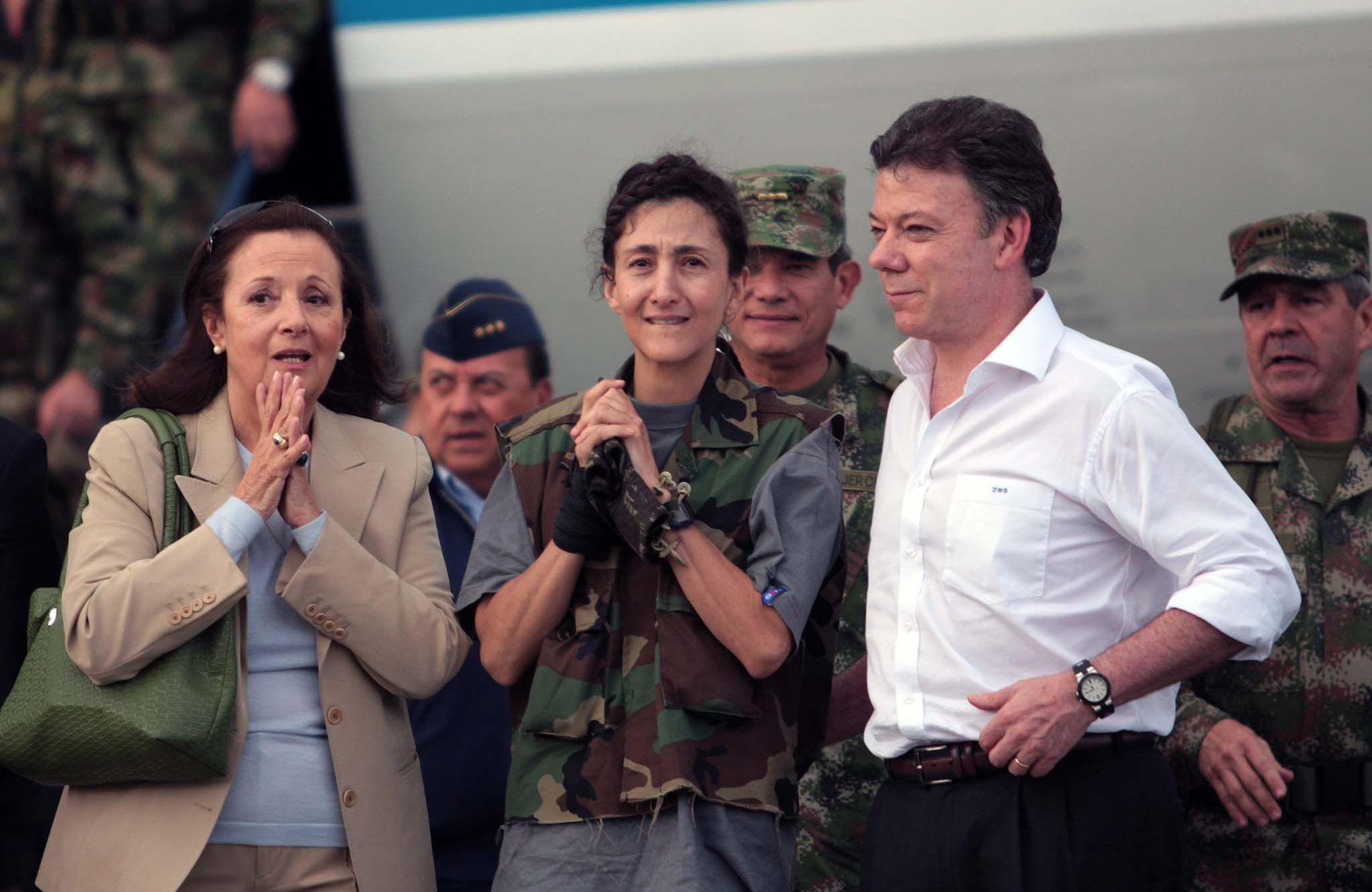 Santos Ingrid Betancourt en Operación Jaque