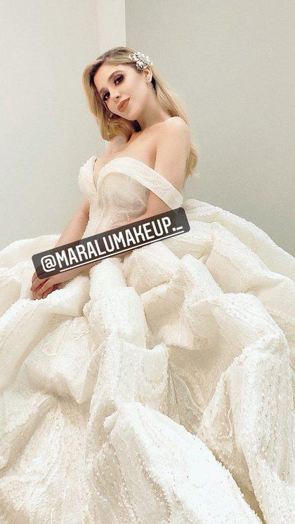 Emma Colonel con vestido de novia (Foto: Instagram@maralumakeup._)