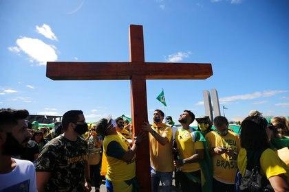 Evangélicos realizaron una vigilia para pedir por la salud de Bolsonaro