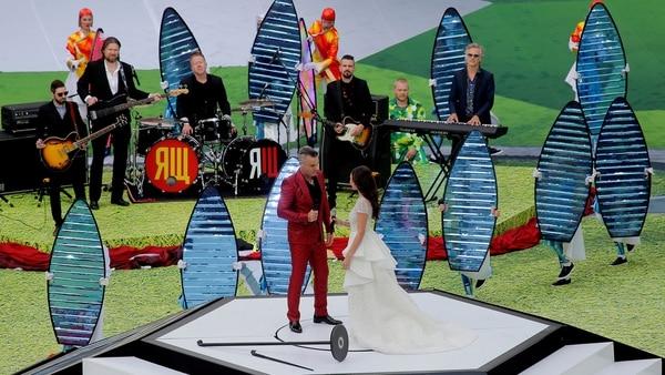 Robbie Williams y Aida Garifullina fueron los encargados de musicalizar la ceremonia (Reuters)