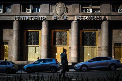 """Caamaño, de Ecoledesma, cree que gráfico del IIF muestra """"que la política monetaria en Argentina fue mucho más expansiva que en el resto de Latinoamérica"""""""
