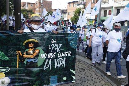 El asesinato de Cristián Ramírez es el tercero de excombatientes de las Farc que ocurre en los primeros 8 días del año. Los integrantes del ahora partido político se han manifestado contra estos hechos en el país.  Foto: EFE/Luis Noriega/Archivo