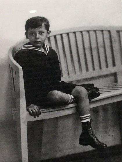 Theodor, el hermano menor de Tom, murió ahogado a los 22 años. (La foto forma parte de la muestra de Documenta, en Kassel)