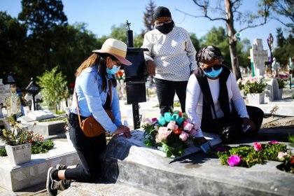 las 2,602 muertes en exceso registradas en el país durante ese periodo superaron en 52% a las presentadas en Estados Unidos el año pasado. (Foto: Reuters/Edgard Garrido)