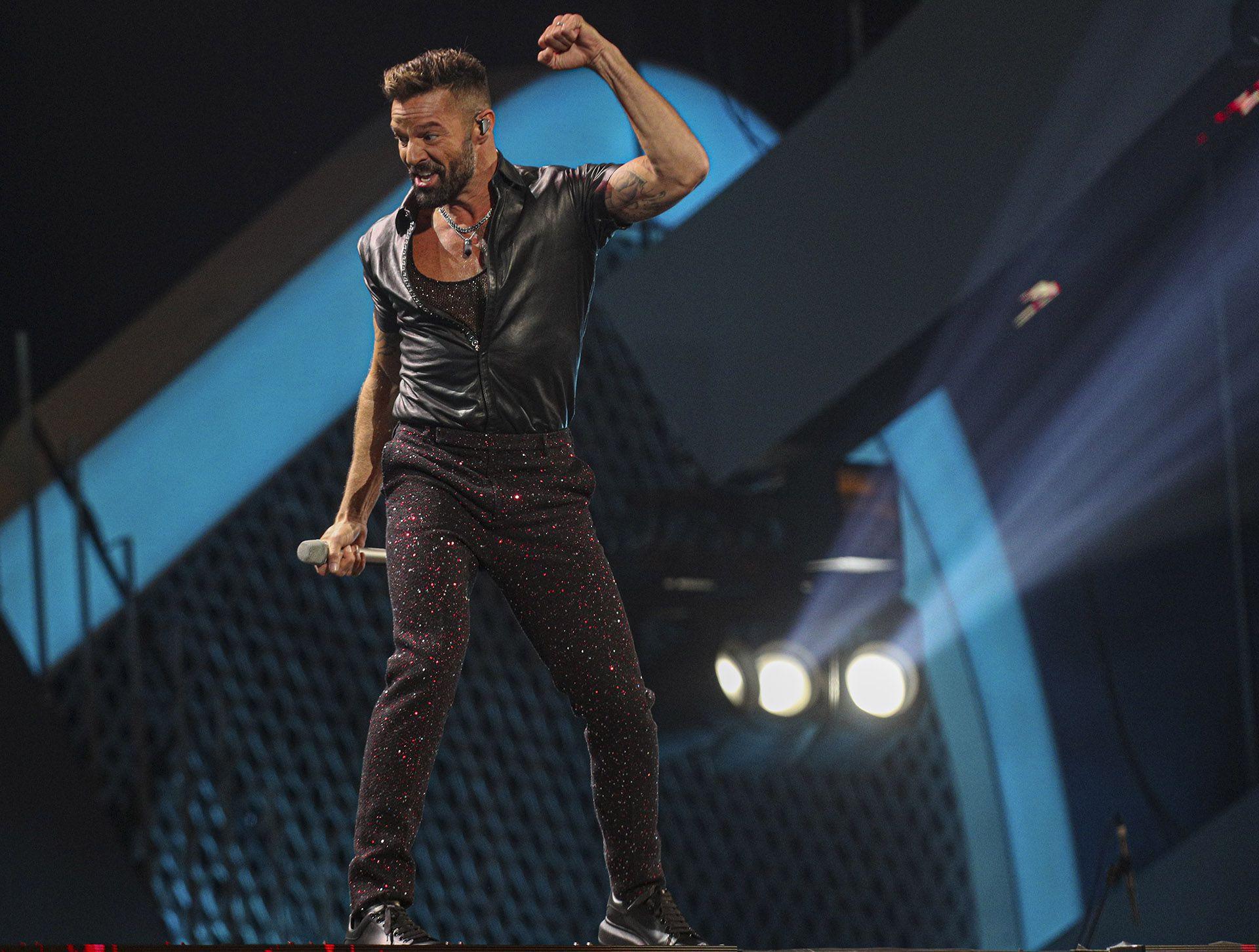 Ricky Martin, en plena acción en Viña del Mar (Foto: AP / Esteban Felix)