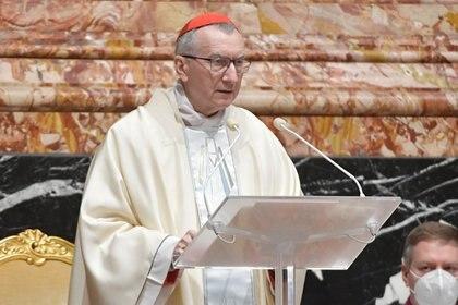 El secretario de Estado del Vaticano, cardenal Pietro Parolin, lee la homilía escrita por el Papa (Vatican Media/Handout via REUTERS)