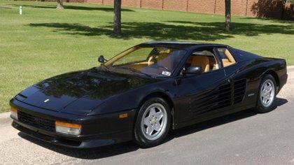 La Ferrari Testarossa que Diego hizo pintar de negro.