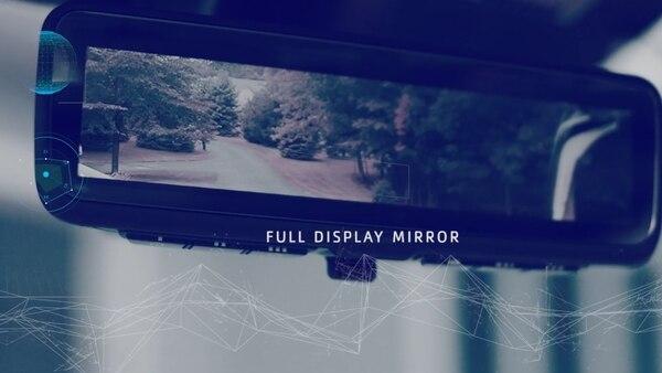 El espejo integra una pantalla LCD