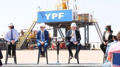 El ministro Martín Guzmán y el presidente Alberto Fernández, en Vaca Muerta, cuando se presentó el Plan Gas 4