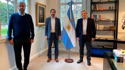 Alberto Fernández recibió en Olivos al gerente general de Pfizer, Nicolás Vaquer, y al director científico de la Fundación INFANT, Fernando Polack.