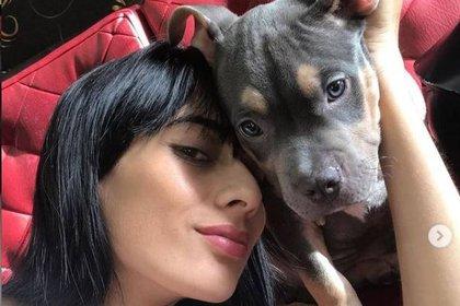 María Fernanda y Homero cuando era cachorro.  Instagram @mafe_echverry18