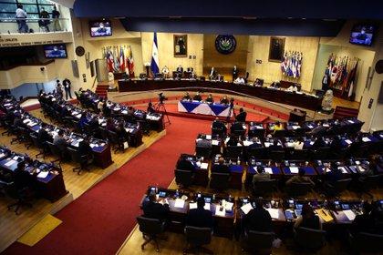 Vista general de una sesión en el Congreso salvadoreño, en San Salvador (El Salvador). EFE/Rodrigo Sura/Archivo