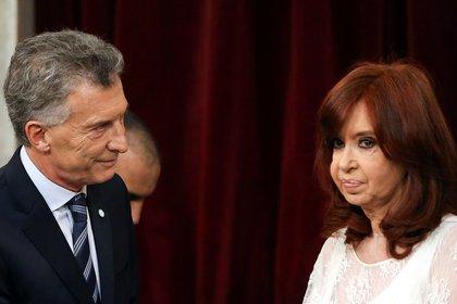 Mauricio Macri y Cristina Kirchner se reencontraron en 2019. En 2015, la presidenta salienta no quiso cederle el poder a su sucesor