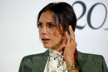 La diseñadora ha ido variando su estilo a lo largo de los años, conllevando un notable cambio en su forma de vestir (REUTERS)