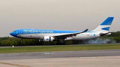 Parte un nuevo vuelo de Aerolíneas Argentinas a Rusia para buscar más vacunas Sputnik V