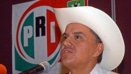 TPIC, NEAYARIT, 03JULIO2011.- Roberto Sandoval, candidato de la Coalición Nayarit Nos Une, durante conferencia de prensa se declaró ganador de los comicios por un margen de más de 40 mil votos.FOTO: CUARTOSCURO.COM