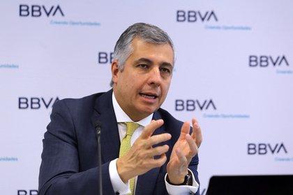 """Para aprovechar el T-MEC y reactivar la economía, México debe corregir estas """"malas señales"""" en las renovables, indicó Carlos Serrano, economista en jefe de BBVA. (Foto: EFE/ Mario Guzmán)."""