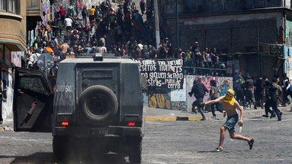 Ascendió a 15 el balance de muertos en Chile en medio de las protestas en todo el país