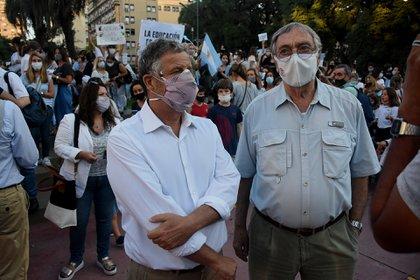 El ex secretario de Salud durante el gobierno de Macri, Adolfo Luis Rubinstein, y el actor y militante de Juntos por el Cambio, Luis Brandoni (Nicolas Stulberg)