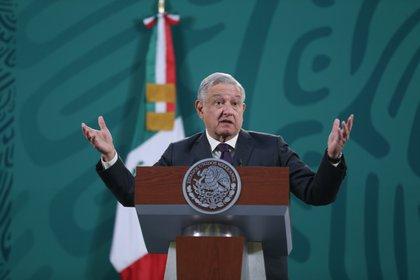 El presidente de México se reunió con el magnate Carlos Slim, en Palenque Chiapas, para dar seguimiento al progreso de obras del Tren Maya (EFE/Sáshenka Gutiérrez/Archivo)
