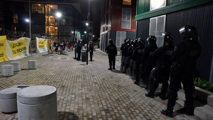 Según precisaron fuentes policiales al ver a los efectivos quienes realizaban la toma depusieron su actitud (Franco Fafasuli)