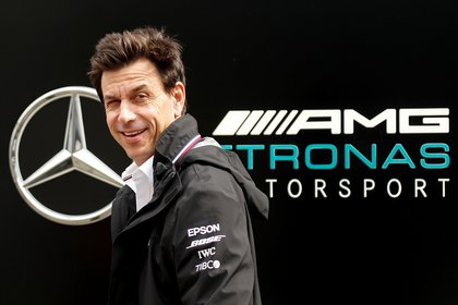 Toto Wolff habló de la chance de reunir en Mercedes a Hamilton y Verstappen (REUTERS/Maxim Shemetov)
