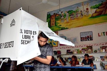 Aproximadamente 4,4 millones de electores acudirán a las urnas este domingo en los estados mexicanos de Kohuvila e Hidalgo (Foto: EFE / Cuauhtémoc Moreno)
