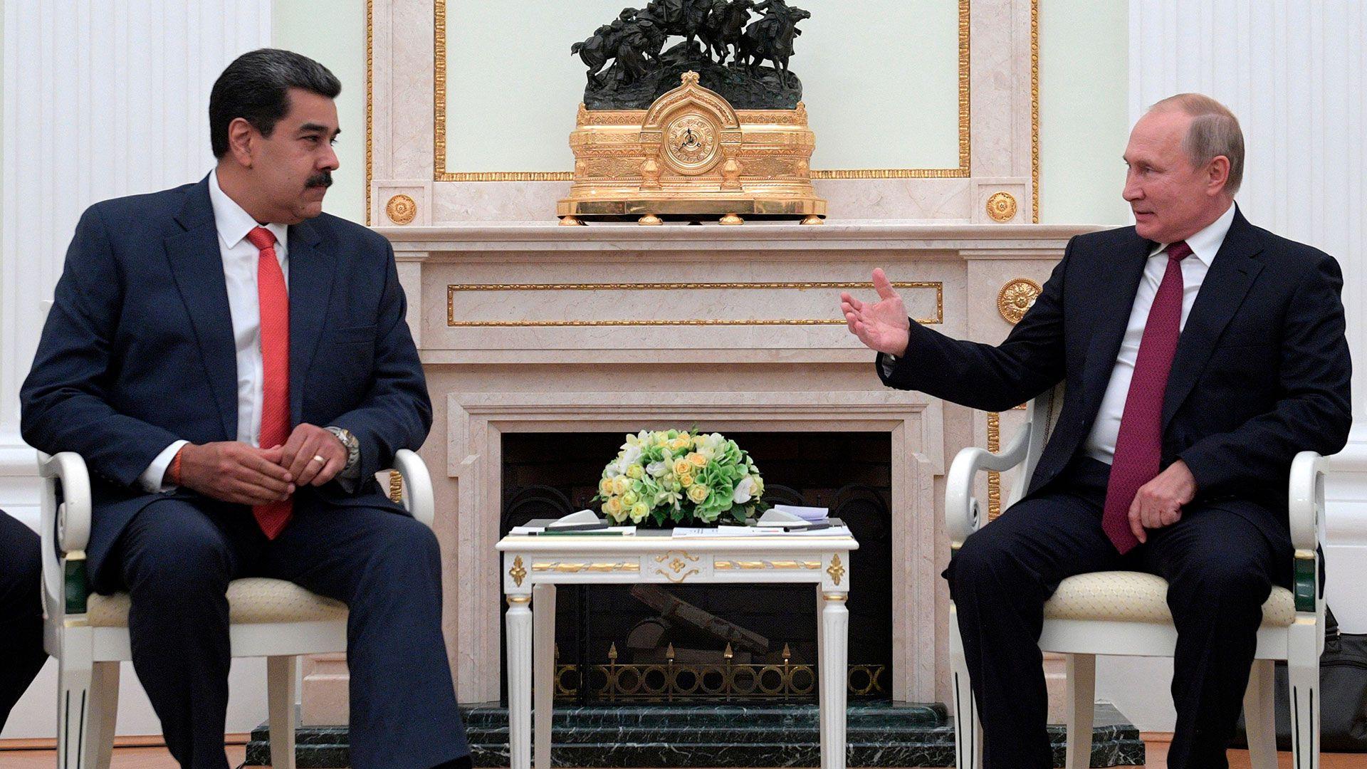 Nicolás Maduro y Vladimir Putin, socios políticos y económicos en Venezuela