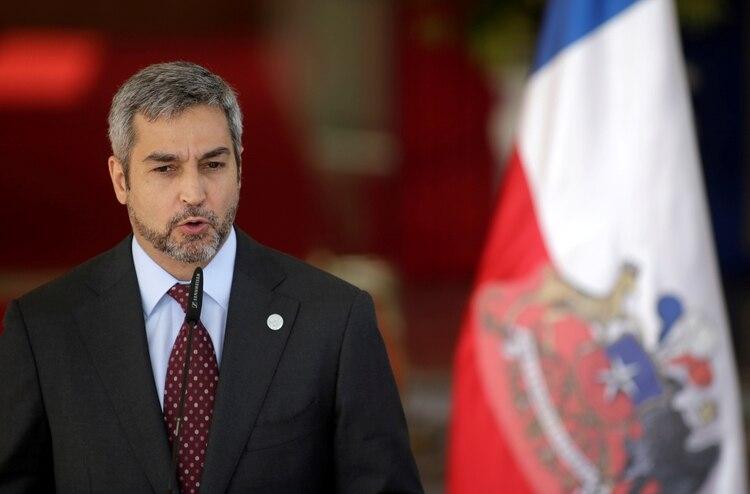 El presidente de Paraguay, Mario Abdo Benítez, tuvo dengue. El principal brote epidemiológico se concentra en esta nación (Reuters)