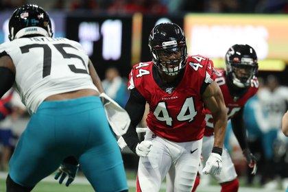 Jawaan Taylor en acción para los Jacksonville Jaguars (Credit: Jason Getz-USA TODAY Sports)