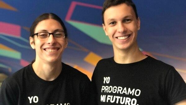Iván Peran y Marcos Blazevac, dos de los creadores de PachaBot