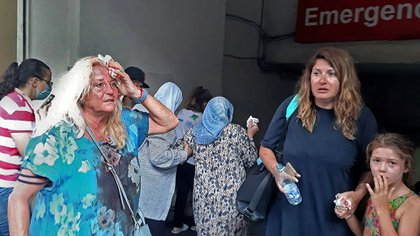 Tras a explosión, los hospitales se desbordaron en apenas horas por la enorme cantidad de heridos (Janine Haidar / AFP)