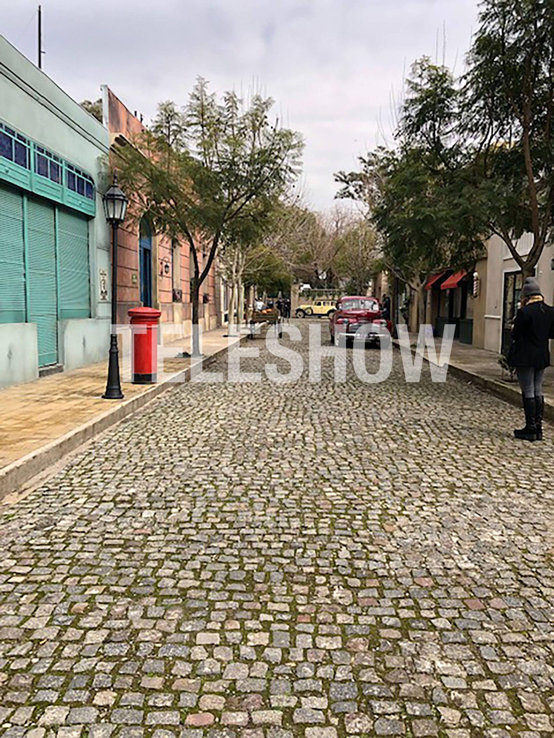La calle principal por donde todos los días transitan los personajes de ATAV