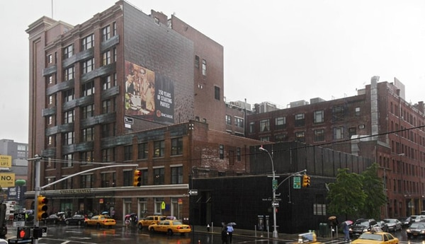 El edificio histórico Chelsea Market en el barrio Meatpacking District de Nueva York. (AP)
