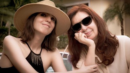 Florencia y Cristina Kirchner, juntas en Cuba
